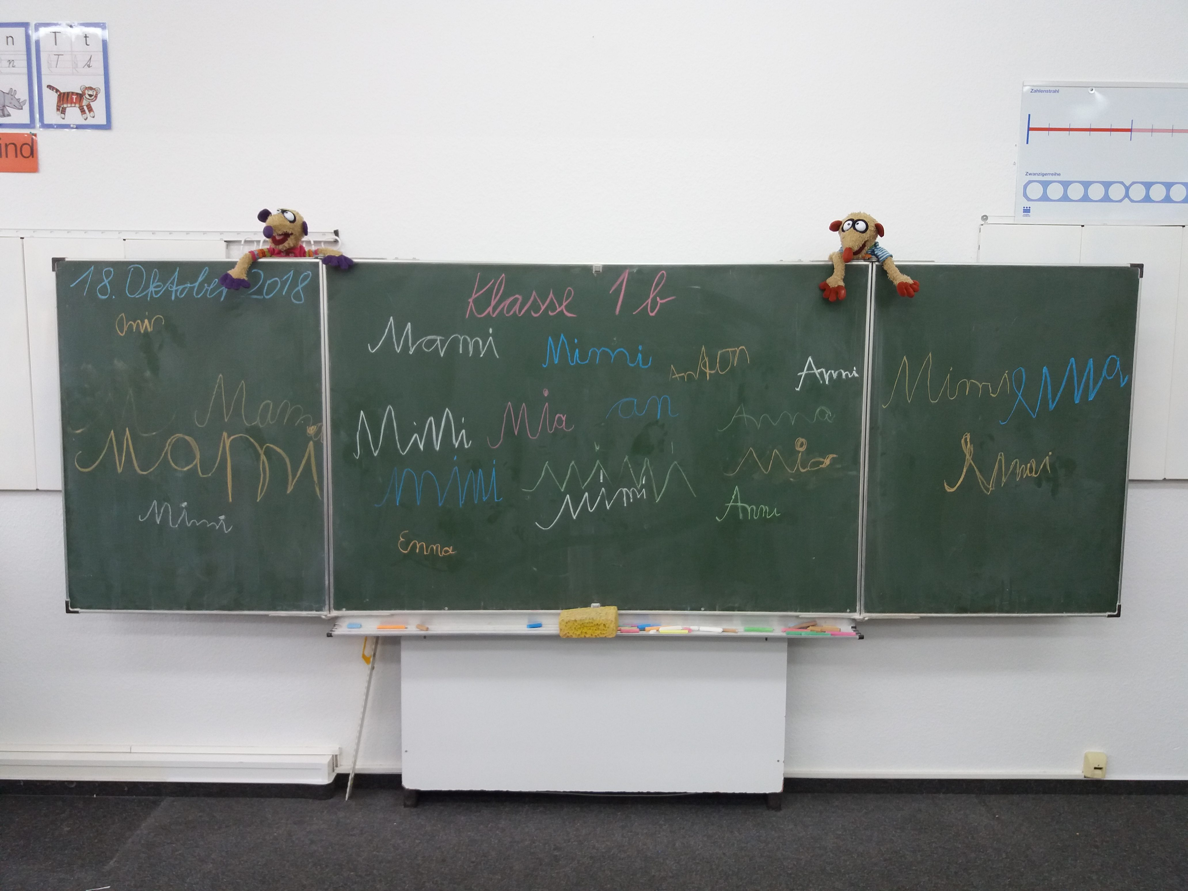 http://schule.neuseddin.de/wp-content/uploads/2016/10/Alte-Tafel_komplett-4128x3096.jpg