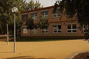 http://schule.neuseddin.de/wp-content/uploads/2016/10/Haus-2_2-300x200.jpg